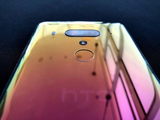 Loạt ảnh mới nhất về HTC U12 Plus 'cao cấp', giá khởi điểm 800 USD ảnh 3