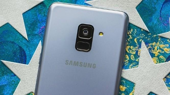 Nên mua Samsung Galaxy A8 2018 hay Galaxy A6 2018? ảnh 4