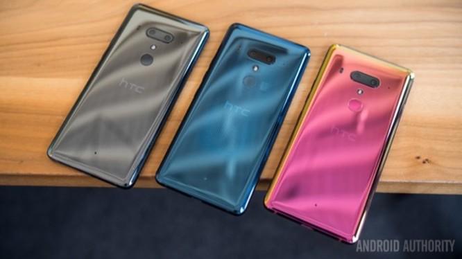 HTC chính thức ra mắt U12+ : Vỏ xuyên thấu, 4 camera, viền khá mỏng, giá 18 triệu ảnh 7