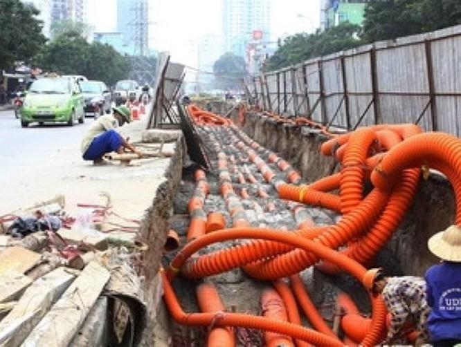 Doanh nghiệp viễn thông, điện lực Hà Nội đăng ký hạ ngầm tiếp 60 tuyến phố ảnh 1