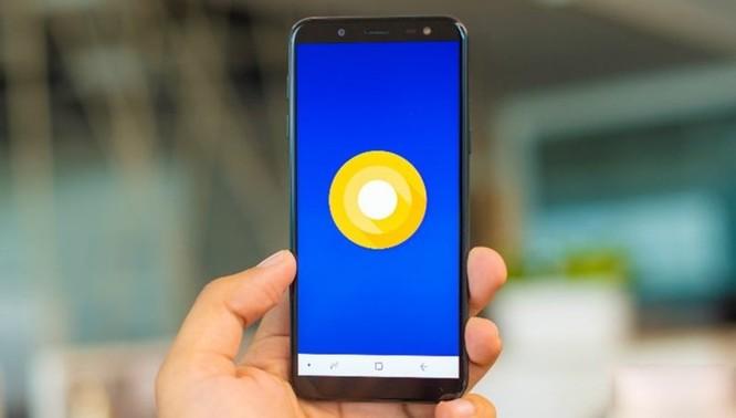 Điện thoại màn hình vô cực rẻ nhất của Samsung, giá bán 5,29 triệu đồng ảnh 1
