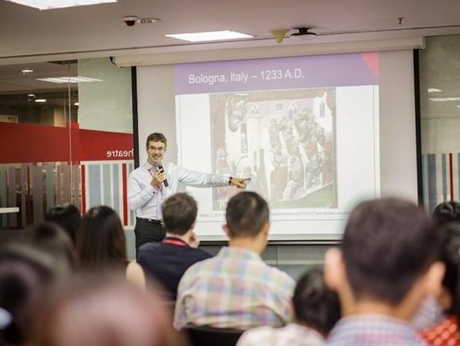Chuyên gia RMIT giới thiệu các phầm mềm hỗ trợ nâng cao trí nhớ cho người học tiếng Anh ảnh 2