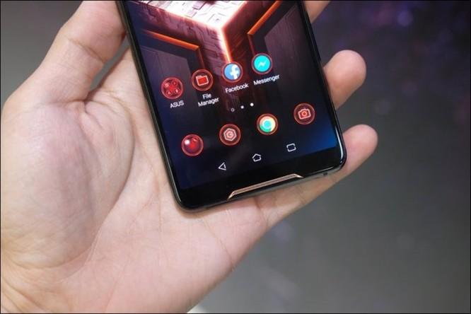 Hình ảnh chi tiết ROG Phone, smartphone chơi game đầu tiên của Asus ảnh 16