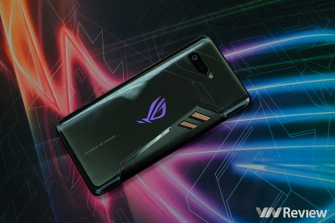 Trên tay ROG Phone - điện thoại chuyên game tối tân của Asus với hàng loạt tính năng độc lạ ảnh 2