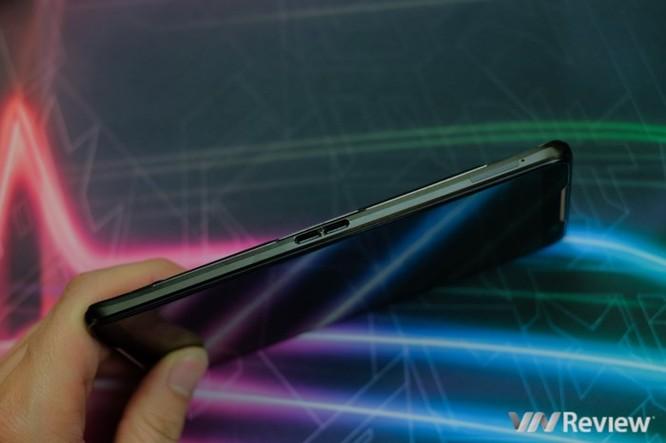 Trên tay ROG Phone - điện thoại chuyên game tối tân của Asus với hàng loạt tính năng độc lạ ảnh 4