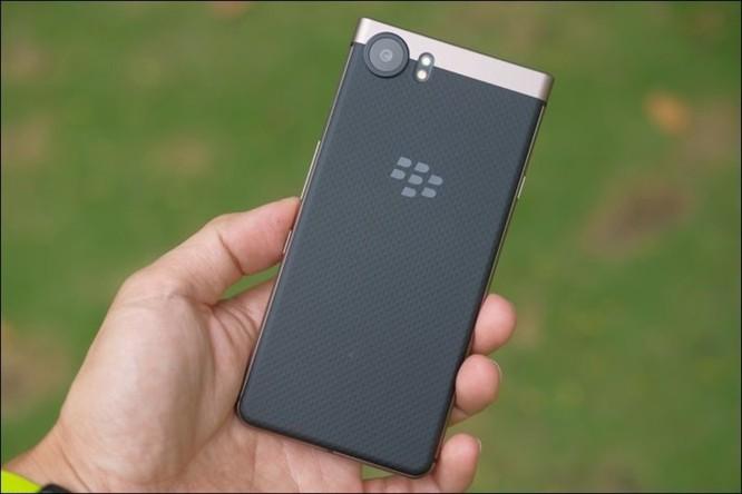 Trải nghiệm BlackBerry Keyone Bronze: bản sắc Dâu đen ảnh 4