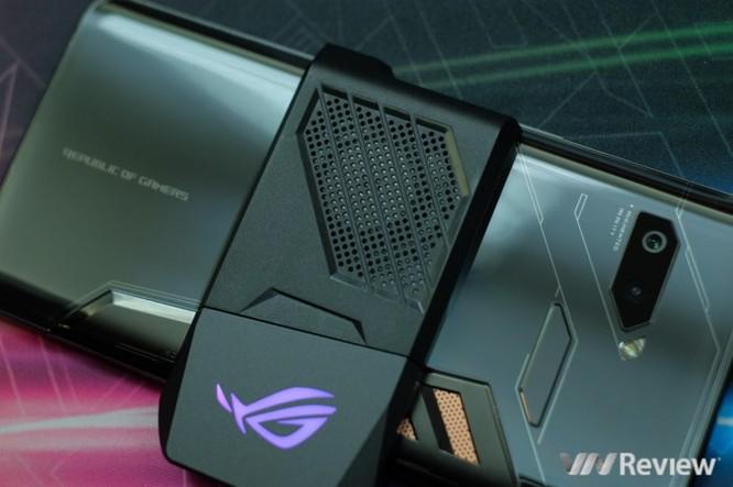 Trên tay ROG Phone - điện thoại chuyên game tối tân của Asus với hàng loạt tính năng độc lạ ảnh 6
