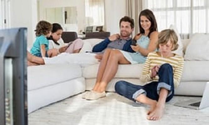Cho trẻ con sử dụng thiết bị công nghệ bao nhiêu thời gian là đủ? ảnh 1