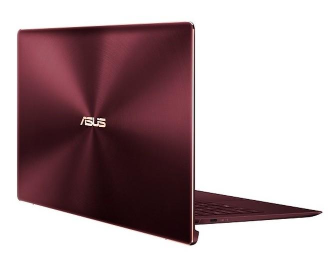 Laptop 13,3 inch siêu gọn nhẹ và cực bền ảnh 2