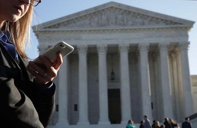 Mỹ: Cảnh sát phải có trát tòa mới được theo dõi dữ liệu điện thoại cá nhân ảnh 1