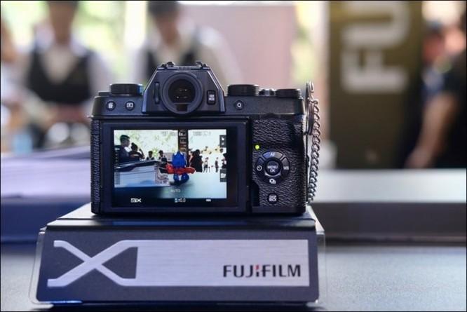 Fujifilm giới thiệu máy ảnh không gương lật XT-100 tại Việt Nam, giá 14,49 triệu đồng ảnh 2