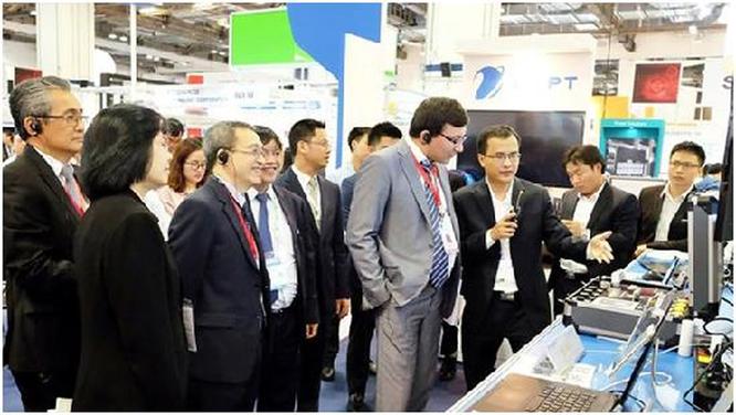 VNPT trình diễn nhiều giải pháp thông minh tại CommunicAsia 2018 ảnh 1