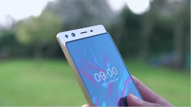 5 điện thoại Android tràn viền đẹp hơn cả iPhone X ảnh 3