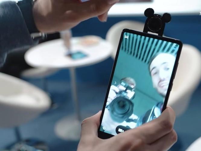 5 điện thoại Android tràn viền đẹp hơn cả iPhone X ảnh 4