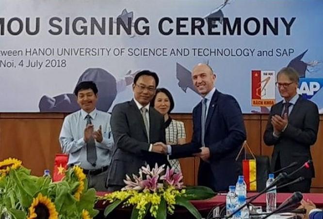 Đại học Bách khoa Hà Nội đào tạo nhân lực đáp ứng xu thế công nghiệp lần thứ tư ảnh 1