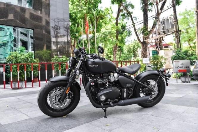 Ngắm Triumph Bobber black 2018 bản đen mờ tại Hà Nội ảnh 1