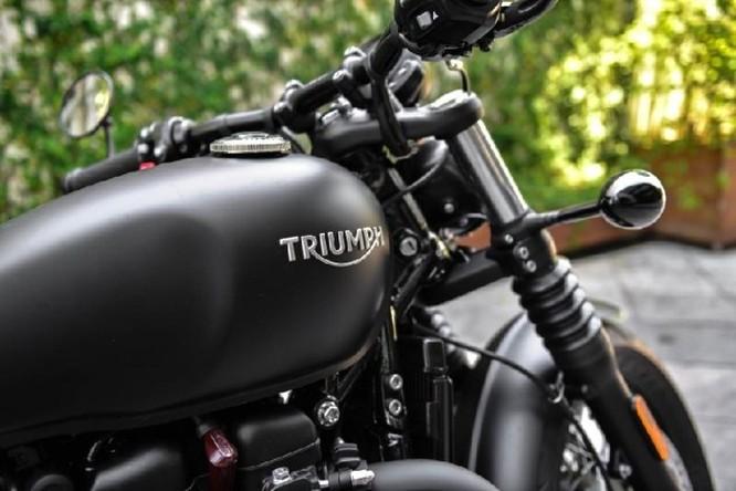 Ngắm Triumph Bobber black 2018 bản đen mờ tại Hà Nội ảnh 2