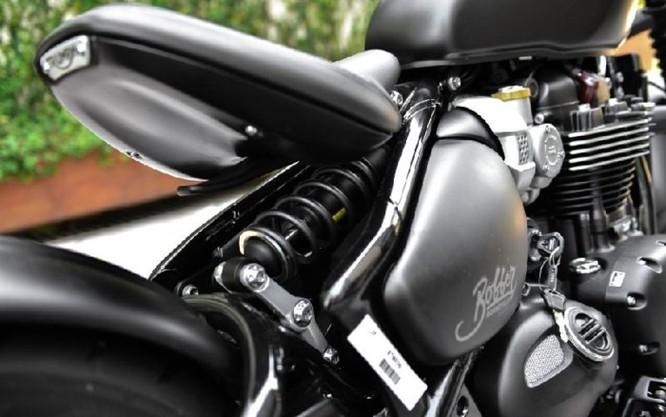 Ngắm Triumph Bobber black 2018 bản đen mờ tại Hà Nội ảnh 4