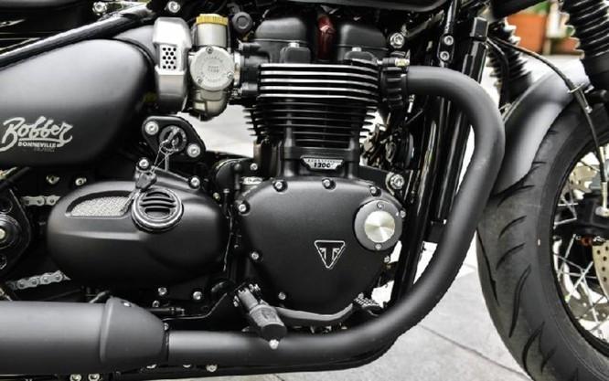 Ngắm Triumph Bobber black 2018 bản đen mờ tại Hà Nội ảnh 9