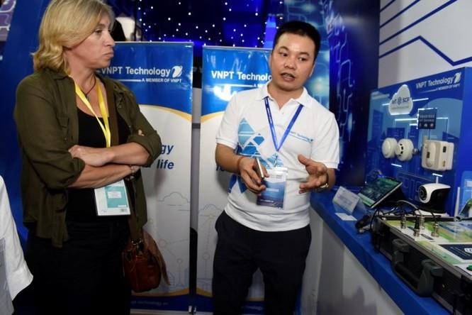 Ấn tượng VNPT tại Diễn đàn và Triển lãm Industry Summit 2018 ảnh 16