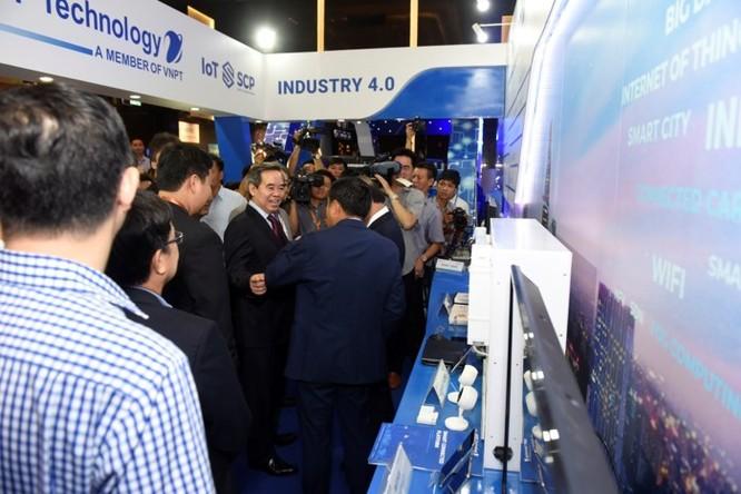 Ấn tượng VNPT tại Diễn đàn và Triển lãm Industry Summit 2018 ảnh 4