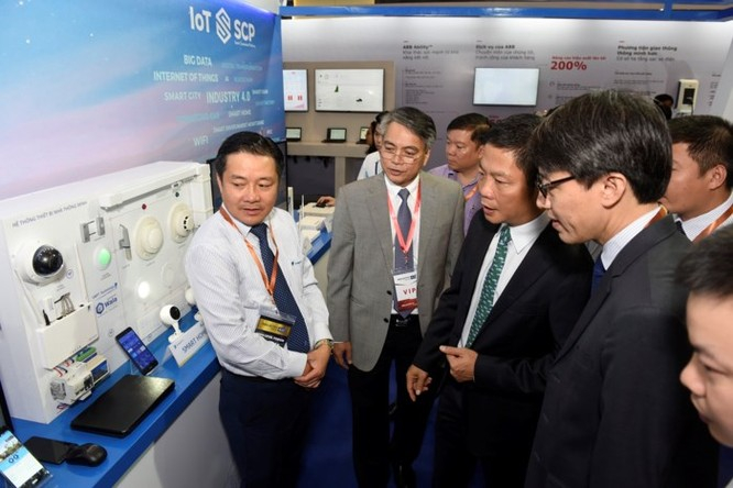 Ấn tượng VNPT tại Diễn đàn và Triển lãm Industry Summit 2018 ảnh 5