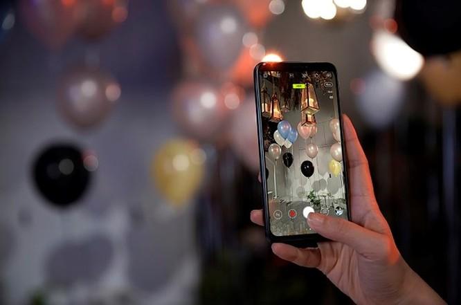 Những điểm đáng tiền trên Asus ZenFone 5Z ảnh 3