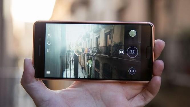 Cùng giá nên mua Nokia 6 2017 hay Samsung Galaxy J7 Prime? ảnh 15