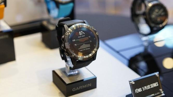 2 mẫu smartwatch dành cho người yêu thể thao ảnh 1