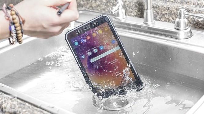 5 thói quen xấu sẽ gây hư hỏng smartphone ảnh 4