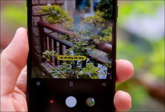 Mở hộp Samsung Galaxy J8 2018, camera kép xóa phông, màn hình tràn viền, giá 7,29 triệu đồng ảnh 3