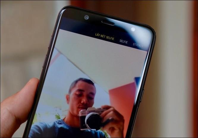 Mở hộp Samsung Galaxy J8 2018, camera kép xóa phông, màn hình tràn viền, giá 7,29 triệu đồng ảnh 6