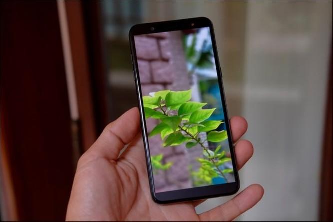 Mở hộp Samsung Galaxy J8 2018, camera kép xóa phông, màn hình tràn viền, giá 7,29 triệu đồng ảnh 8