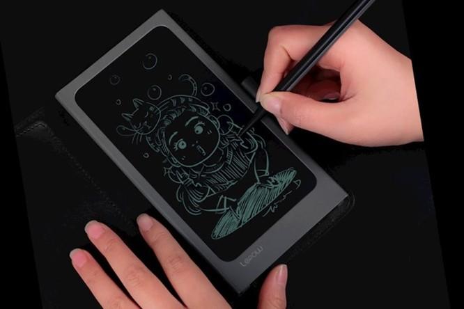 Thiết bị kỳ lạ này sẽ giúp bạn vừa ghi chú, vừa sạc iPhone cùng lúc ảnh 3