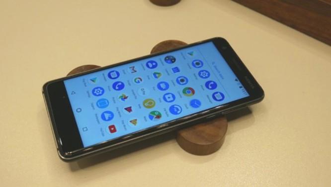Những smartphone giá rẻ sở hữu thiết kế và công nghệ thời thượng ảnh 2