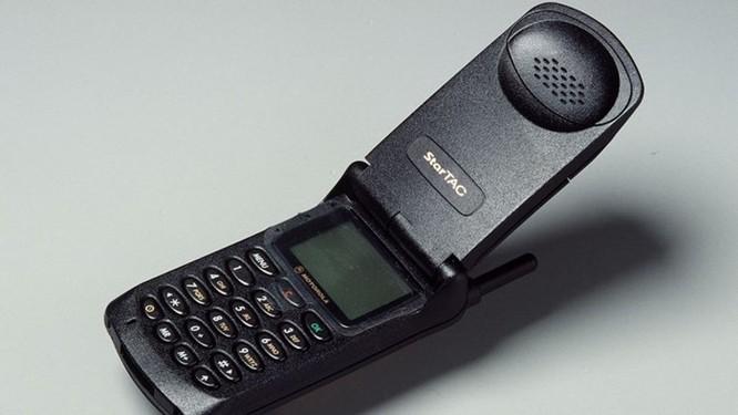 Nhìn lại những chiếc điện thoại Motorola 'lừng lẫy một thời' ảnh 1