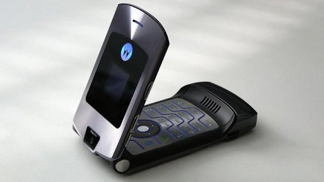 Nhìn lại những chiếc điện thoại Motorola 'lừng lẫy một thời' ảnh 4