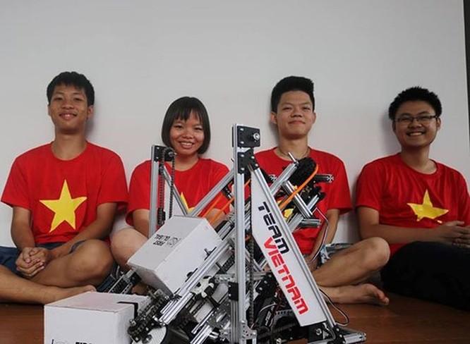 Học sinh Việt Nam xếp hạng 12/161 tại cuộc thi robot thế giới 'First Global Challenge 2018' ảnh 1