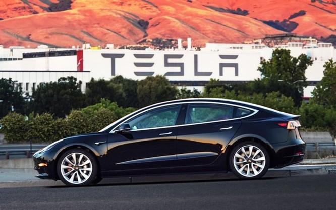 Tesla: Chúng tôi có ít tiền hơn gấp 100 lần so với Apple và họ đang lấy nhiều nhân tài của Tesla ảnh 1