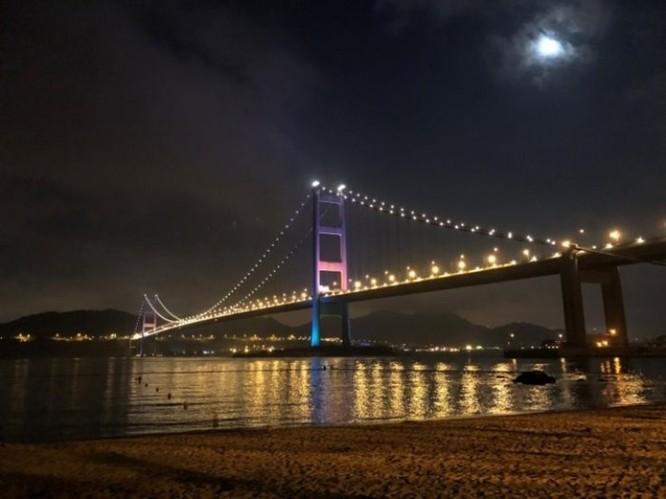 Cảnh đêm đẹp đến nao lòng tại Cảng Thơm qua ống kính của Huawei P20 Pro ảnh 4