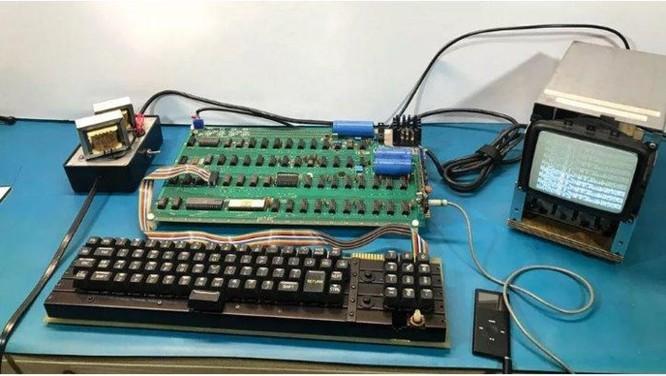 Phiên bản máy tính đầu tiên của Apple có giá ngang một siêu xe ảnh 1
