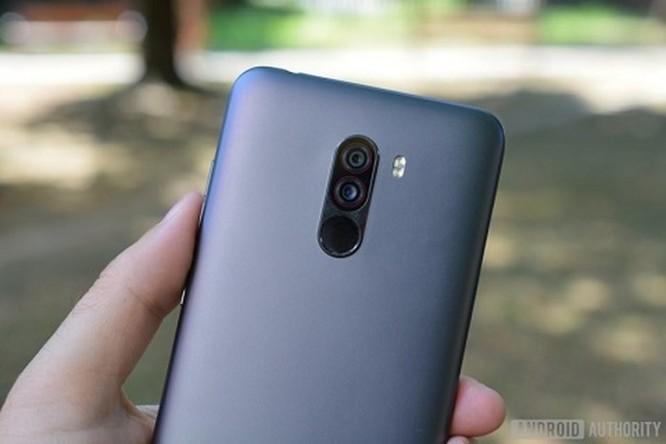 Pocophone F1 sẽ trở thành 'sát thủ iPhone X'? ảnh 4