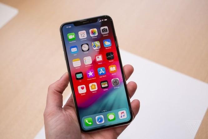 Samsung không còn độc quyền cung ứng OLED cho iPhone ảnh 1
