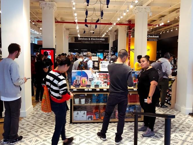 Bên trong cửa hàng 4 sao của Amazon tại New York ảnh 2