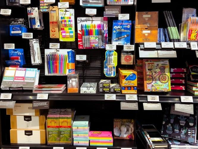 Bên trong cửa hàng 4 sao của Amazon tại New York ảnh 7