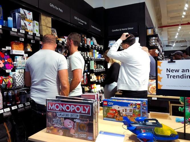 Bên trong cửa hàng 4 sao của Amazon tại New York ảnh 3