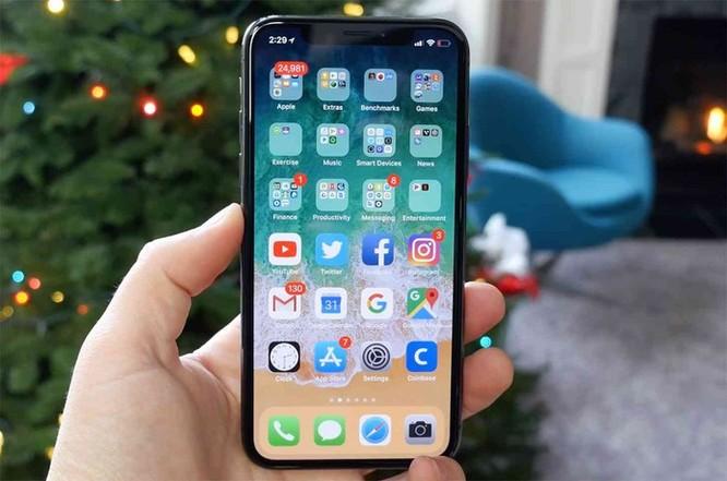 Điện thoại cũ đồng loạt giảm giá sau khi iPhone XS về VN ảnh 1