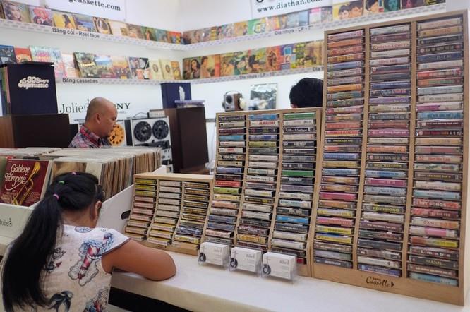 AV Show 2018 vắng loa chục tỷ, còn bán cassette và đĩa than ảnh 7