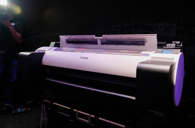 Canon ra mắt 4 máy in khổ lớn cho doanh nghiệp ảnh 1