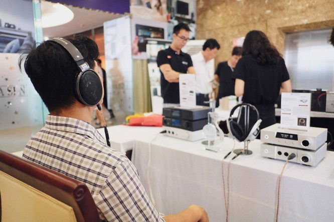 AV Show 2018 vắng loa chục tỷ, còn bán cassette và đĩa than ảnh 6
